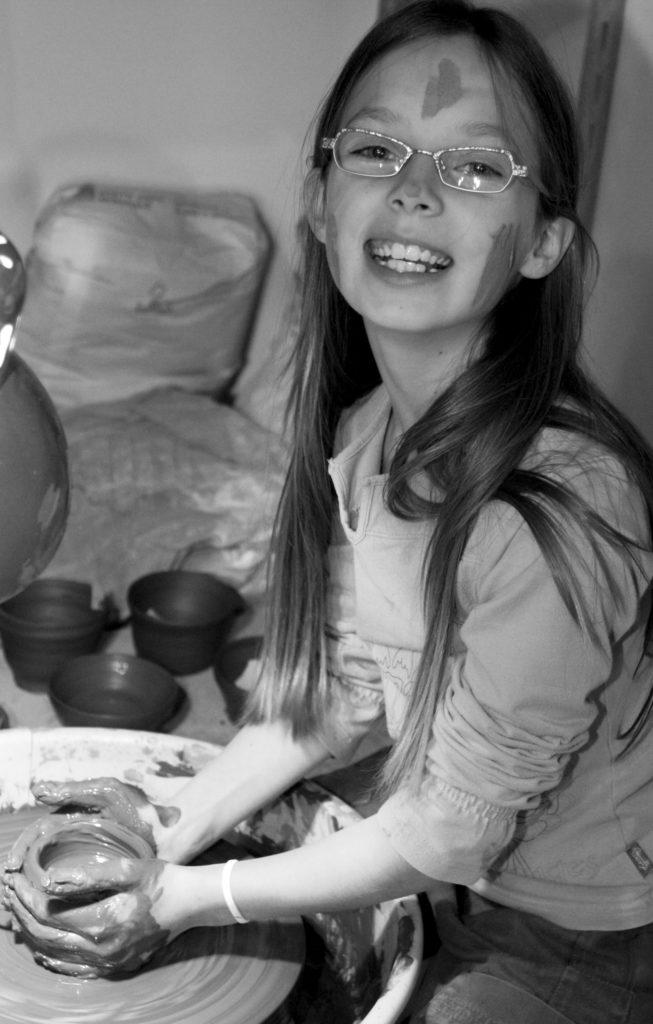 enfant-tour-poterie